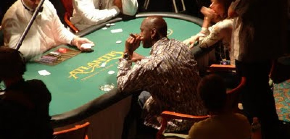 Top Celebrity Poker Players [Infographic]